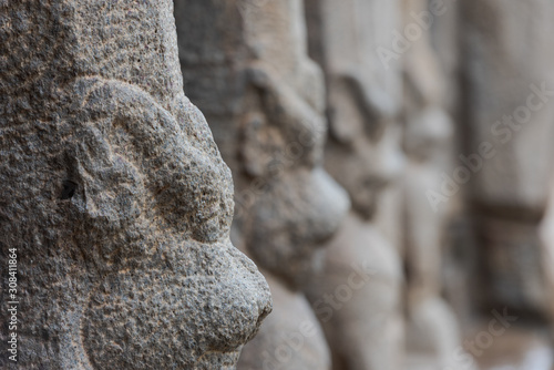 Valokuva  Arjuna´s Penance, cave temple and rock relief in Mahabalipuram, South India