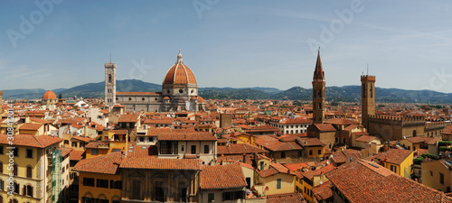 Платно Panoramic view from the Palazzo Vecchio tower on the historical part of the famo