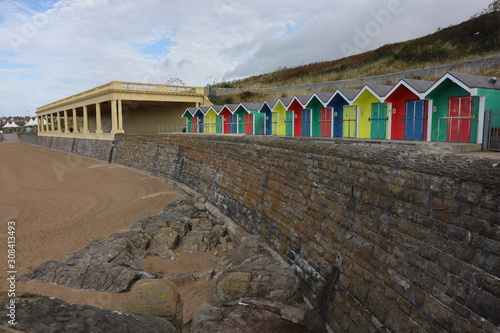Obraz na plátně Beach huts at Barry Island, South Wales, UK