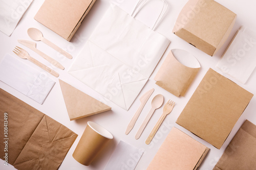 Fotografiet Top view and flat lay concept of Food kraft paper packaging for food delivery