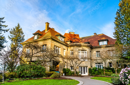 Foto The Pittock Mansion, a historic building in Portland, Oregon