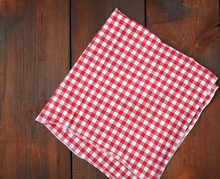 White Red Checkered Kitchen To...