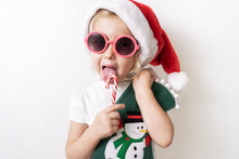 Christmas: A Little Girl In A ...