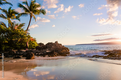 Fotografie, Obraz Sunset view of beautiful tropical beach, Secret Wedding Beach, Makena Cove, Maui