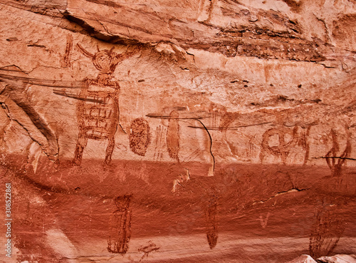 Photo  Anchient Rock Art