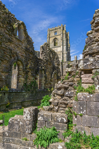 Photo ruined abbey