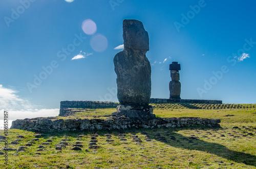 Photo Chile - Rapa Nui or Easter Island - Tahai - Ahu Vai Uri y Ahu Ko Te Riku