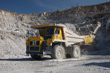 Heavy Quarry Dump Truck Transp...