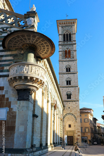 View of beautiful romanesque church prato cathedral of san stefano, Tuscany, Ita фототапет