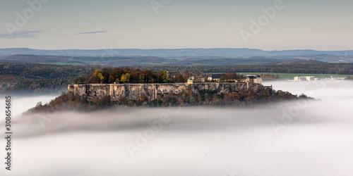 Fotografía Festung Königstein in den Wolken
