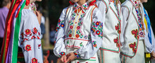 Ukrainian National Clothing - ...