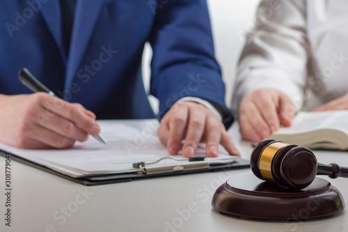 Αφίσα  Law, advice and Legal services concept
