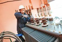 Electrician Lineman Worker Ins...
