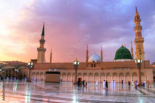 Fototapeta Medina/Saudi Arabia - May 30, 2015: Prophet Mohammed Mosque, Al Masjid an Nabawi