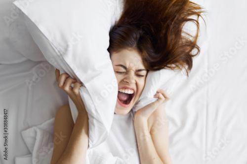 woman in bed Fototapete