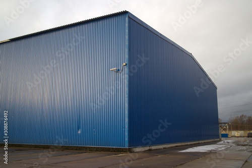 Fotografía industrial hangar for sorting waste and garbage