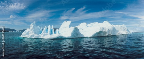 Valokuvatapetti Full length view of Glaciers and Icebergs of Arctic and Antarctic