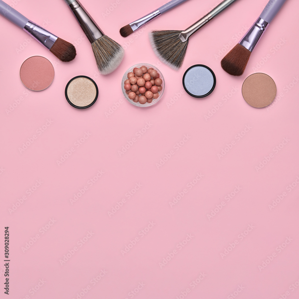 Fashion beauty product layout. Woman Essentials cosmetic makeup Set. Collection beauty accessories. Trendy Brushes, lipstick, accessories art Flat lay. Creative make up shopping concept <span>plik: #309028294 | autor: evgenij918</span>