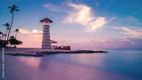 Fotografia Sunrise at Bayahibe beach with smooth water, La Romana, Dominican republic