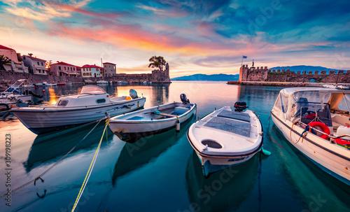Vászonkép Sunrise in popular touristic destination - Nafpaktos port