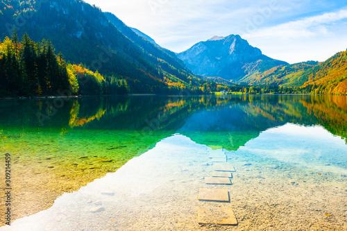 Obraz Beautiful lake in Alps mountains, Austria. Autumn landscape - fototapety do salonu