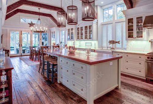 Beautiful luxury kitchen and dining room with view windows. Tapéta, Fotótapéta