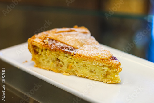 Fényképezés slice of pastiera, typical Neapolitan Easter cake, from Italian pastry