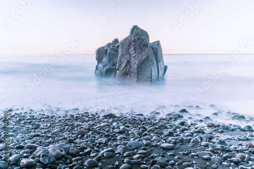 Fotomural tranquil sea rock