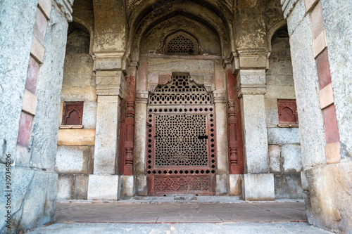 Fototapety, obrazy: Door and archway details at Humayan's Tomb in New Delhi India