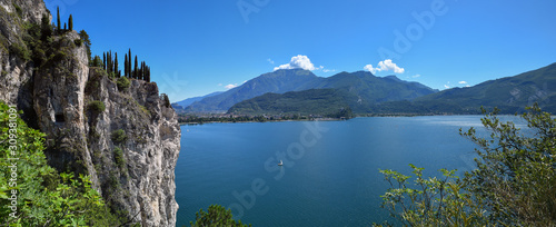 Cuadros en Lienzo beautiful view to garda lake italy from above