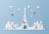 Fototapeta Fototapety z wieżą Eiffla - Origami Paper art of Cute couple in town with Eiffel tower in Valentine's day, Love and Happy Valentine's Day