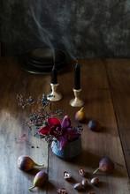 Casual Table Arrangement Of Fa...