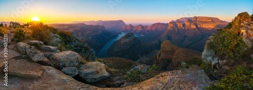 canvas print motiv - Christian B. : three rondavels and blyde river canyon at sunset, south africa