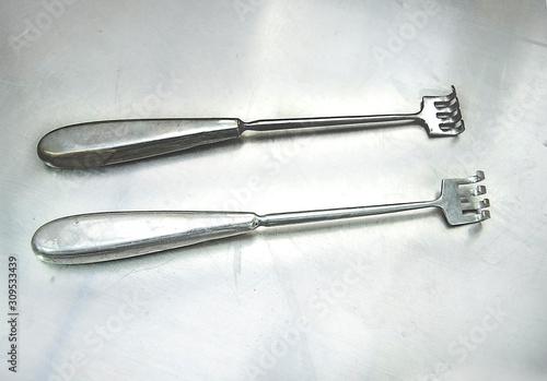 Elementos de cirugia, herramientas de acero quirúrgico tipo tenedor garra Canvas Print