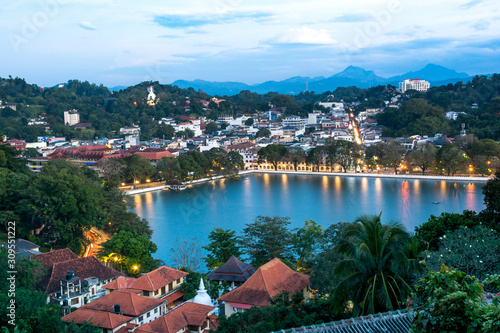 Photo Kandy Lake and Kandy city aerial panoramic view from Arthur's Seat Kandy City Vi