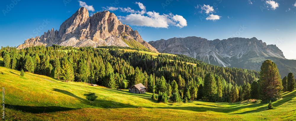 Fototapeta Panorama of Passo delle Erbe in Dolomites