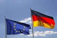 Deutsche Und Europäische Flag...