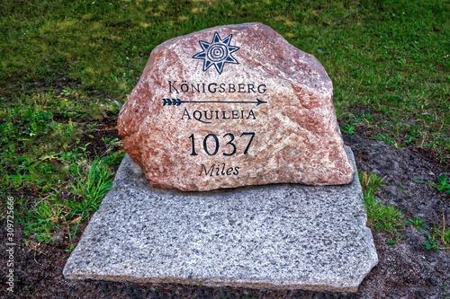 Kaliningrad Decorative pointing stone Konigsberg Aquileia 1037 miles Canvas Print