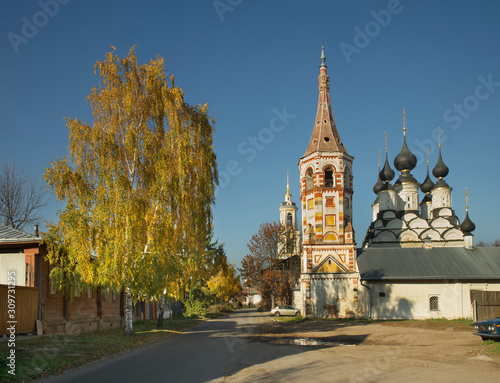 Photo Church of Antipas (Antipiyevskaya) of Pergamum and church of Saint Lazarus (Lazarevskaya) at Suzdal