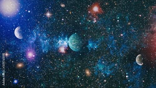 planety-gwiazdy-i-galaktyki-w