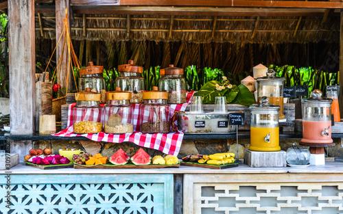 Fotografía  Breakfast buffet at luxury resort