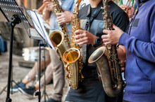 Buskers. Saxophone, Musical In...