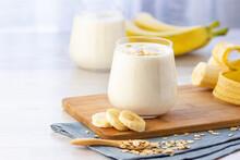 Vegan Banana And Oatmeal Smoot...