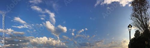 Obraz cloudscape and street lamp - fototapety do salonu