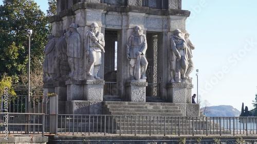 Pallanza lake maggiore italy - dec14 2019 monument and tomb of luigi cadorna Tableau sur Toile
