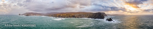 Fotografia The amazing coastline at Port between Ardara and Glencolumbkille in County Doneg