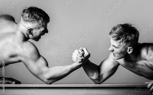 Fotografie, Obraz  Arm wrestling