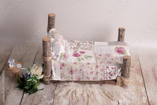 cama newborn prop madera Canvas Print