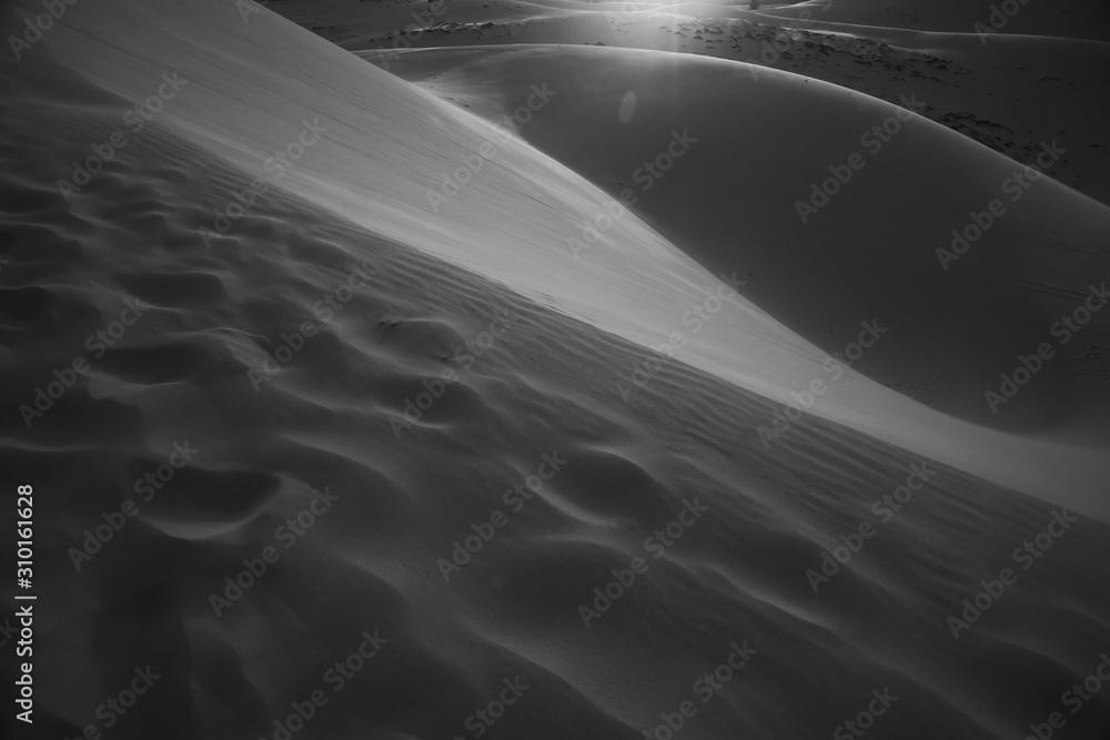 Fototapeta Sand mountains in the deser