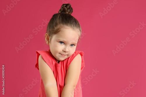 Canvastavla  Portrait of cute little girl on pink background